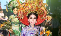 Em gái Lý Hùng trở lại sàn diễn sau hơn 20 năm