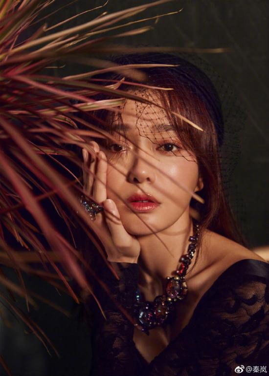 Phú Sát Hoàng hậu Tần Lam tiết lộ từng được quỳ gối cầu hôn - 4