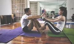 Hồ Ngọc Hà tập yoga cùng người tình Kim Lý