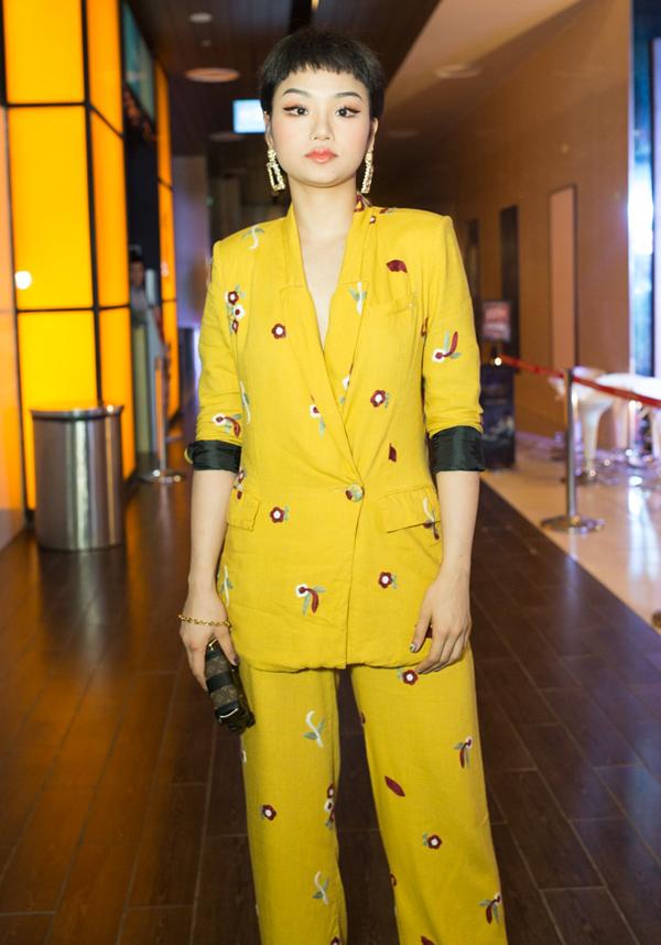 Miu Lê là bạn thân của Duy Khánh nên không thể vắng mặt trong ngày ra mắt web drama của nam diễn viên.