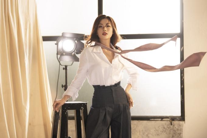 Á hậu Diễm Trang khoe nhan sắc gái một con mặn mà - 1
