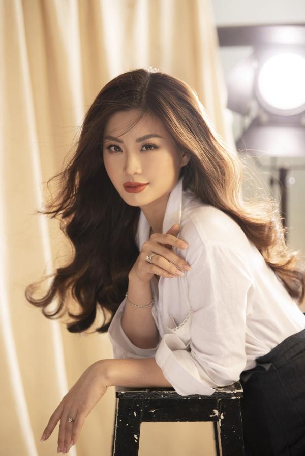 Á hậu Diễm Trang khoe nhan sắc gái một con mặn mà - 2