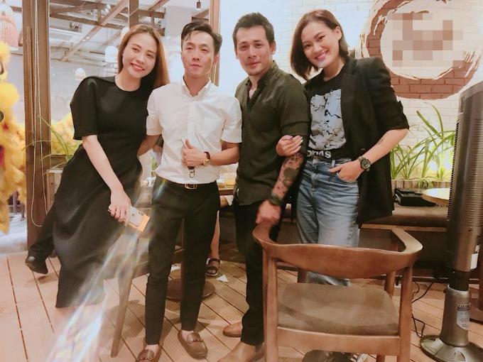 Cường Đô la chụp hình tình tứ cùng bạn gái Đàm Thu Trang và những người bạn.