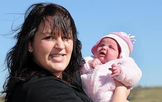 Con gái chào đời trước sự ngỡ ngàng của chị Belinda và tất cả người thân.