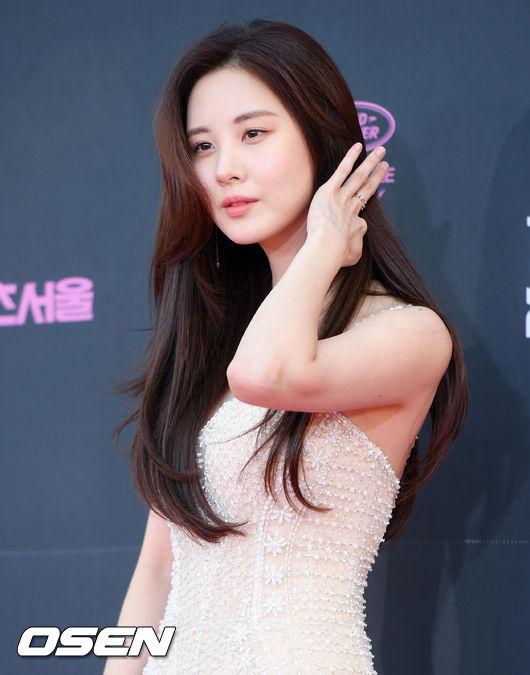 Seo Hyun chiếm sóng vì vẻ đẹp không một chút tì vết.