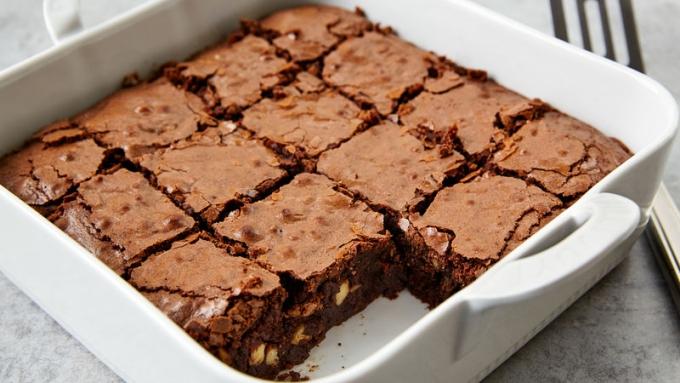 Nguyên liệu giúp ăn bánh brownie không bị dính răng