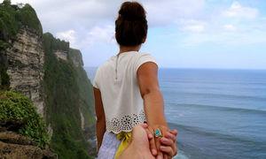 Bạn gái làm được đồng nào xài hết vào du lịch, tôi lăn tăn chuyện kết hôn