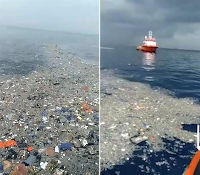 Các mảnh vỡ trên mặt biển cách bờ biển Java không xa được cho là của chiếc Boeing 737 rơi sáng 29/10. Ảnh: Reuters.