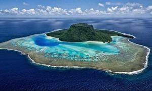 Vợ chồng Hoàng tử Harry nghỉ ở hòn đảo chỉ có 3 villa