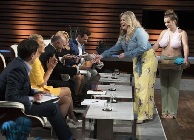 Eric Robertson (35 tuổi) nhà sáng lập thương hiệu áo lót Ta-Ta Toweltại chương trình Shark Tank mùa 10 phát sóng trên đài ABC. Ảnh: CNBC.