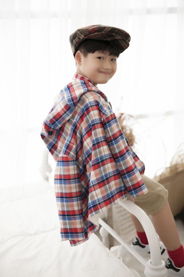 Con trai Lâm Vỹ Dạ ra dáng hot boy nhí. Cậu bé khá thông minh, hiếu động.
