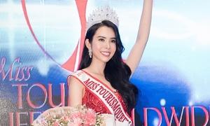 'Siêu vòng 3' Huỳnh Vy đăng quang Hoa hậu Du lịch Thế giới 2018