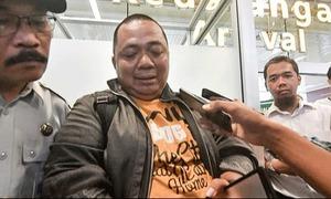 Hành khách thoát tai nạn máy bay Indonesia vì tắc đường