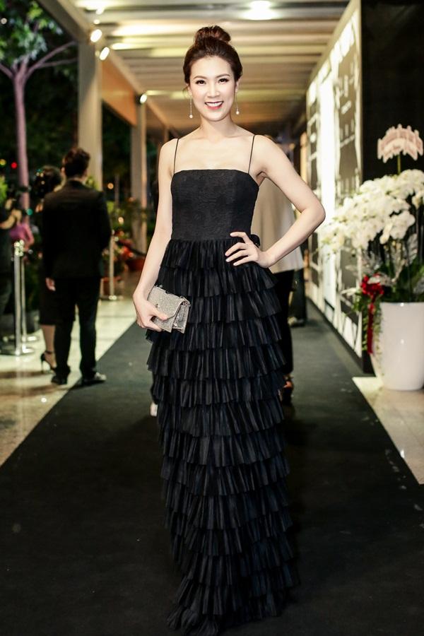 Hoa hậu Áo dài - Phí Thùy Linh thường xuyên góp mặt ở nhiều sự kiện lớn sau khi đăng quang.