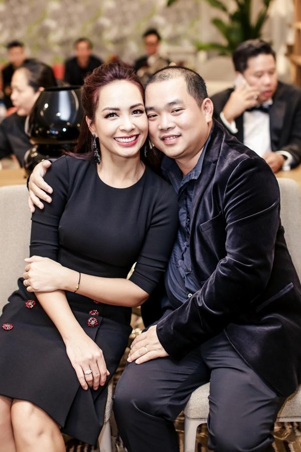 Vợ chồng nhạc sĩ Minh Khang - người mẫu Thúy Hạnh.