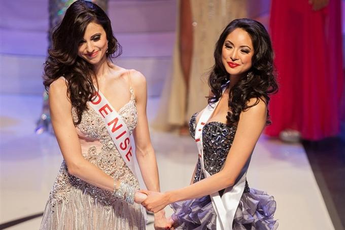 Denise (trái) được công bố là Hoa hậu vì sai sót của ban tổ chức, vương miện được trao lại cho chủ nhân Riza.