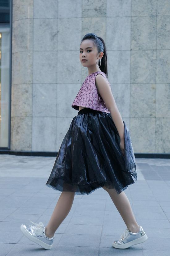 Từ khi đến với thời trang và lóp học của đạo diễn Nguyễn Hưng Phúc, Ngoc Anh phát hiện ra niềm đam mê thứ hai của mình là thời trang.