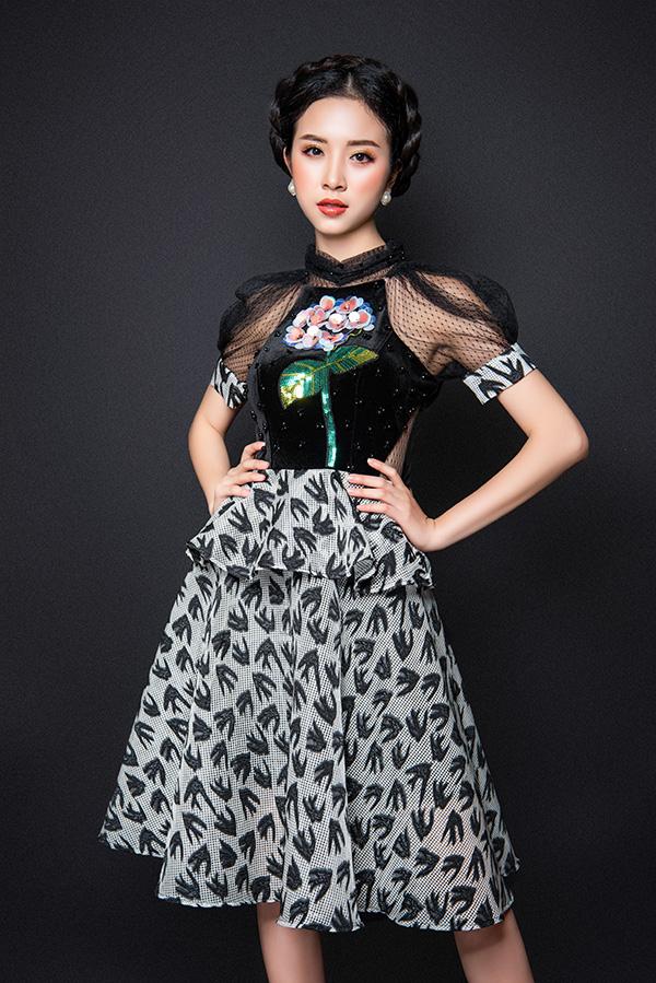 Bộ ảnh được thực hiện với sự hỗ trợ của Makeup: Hùng Việt, Hair: Hồ Liên, Photo: Fynz, Costume: Trendy Ladys.