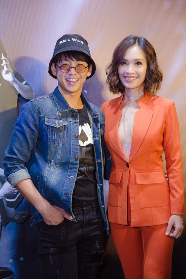 Quang Bảo rủ Ái Phương cùng đi xem phim ủng hộ Thanh Duy.