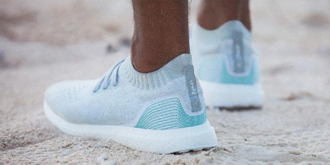 Mẫu giày Adidaslimited năm 2016làm từ nhựa thải và lưới đánh cá. Ảnh:Adidas.