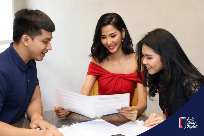 Hoàng Thuỳ chia sẻ kinh nghiệm học tiếng Anh để chinh phục sàn diễn quốc tế - 4