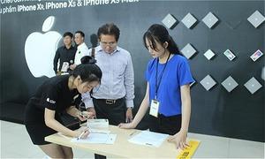 Hàng nghìn khách hàng trải nghiệm iPhone 2018 chính hãng tại Thế Giới Di Động