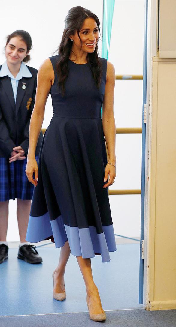 Bóc giá loạt trang phục 3,5 tỷ đồng của Meghan trong chuyến công du - 7