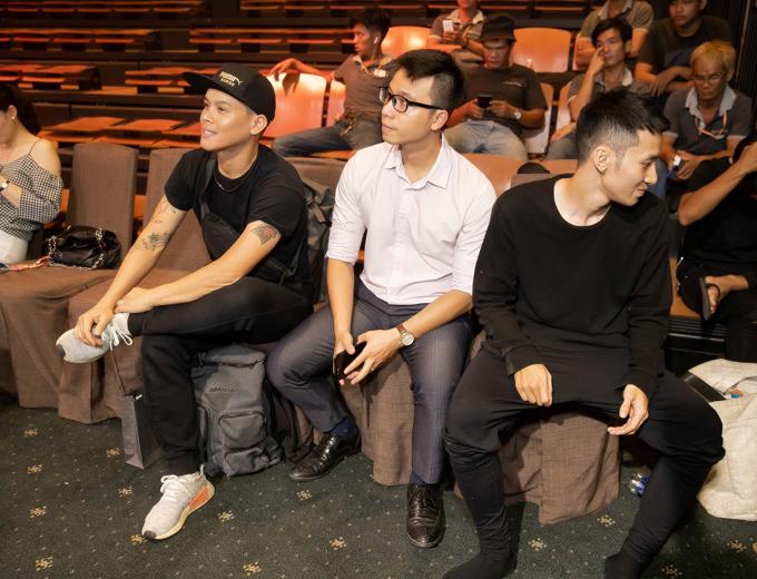 Tối 1/11, biên đạo múa John Huy Trần, Nhiệm Huỳnh cùng các người mẫu, nghệ sĩ tham gia tập luyện và tổng duyệt cho show thời trang tại TP HCM.