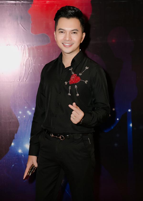 Ca sĩ Nam Cường có mối quan hệ thân thiết với Vy Oanh nhiều năm nay.