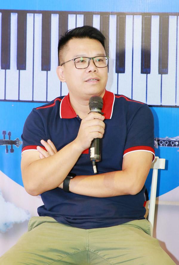 Nhạc sĩ Hồng Kiên làm giám đốc âm nhạc cho concert của Ngọt vào ngày 24/11.