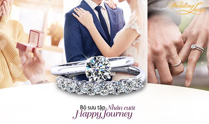 Bộ sưu tập nhẫn cưới Happy Journey được DOJI giới thiệu với các mẫu thiết kế mới nhất của mùa cưới 2018 - 2019. Điểm nhấn nổi bật là nhẫn cưới có thể đeo kết hợp cùng nhẫn đính hôn. Đây không chỉ là xu hướng thời trang thế giới mà còn giống như lời nguyện ước bên nhau trọn đời cùng tận hưởng mọi khoảnh khắc trong tình yêu và cuộc sống lứa đôi.