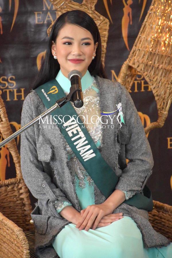 ại buổi phỏng vấn của ban giám khảo Miss Earth 2018 vào sáng 1/11