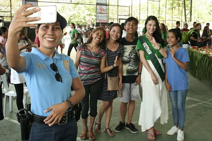 Đại diện Việt Nam ghi điểm bởi tính cách thân thiện, vui vẻ suốt cuộc thi.
