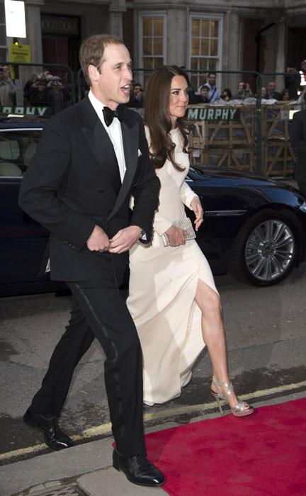 Tháng 7/2017, Michael Kors thâu tóm Jimmy Choo bằng 1,2 tỷ USD. Giày Jimmy Choo, ngày naygiá dao động từ425 đến 4.595 USD, là món đồ được cáccon dâu Kate Middleton và Meghan Marklecủa công nương Diana chuộng. Ảnh: WireImage.