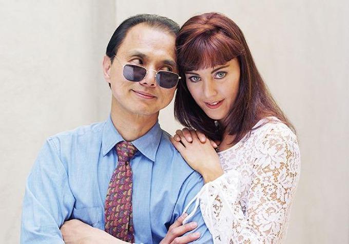 Năm 1996, với 150.000 bảng đi vay (365.000 USD ngày nay) từ cha mình, cựu biên tâp viên tạp chí Vogue Anh Tamara Melloncùngthợ Choo sáng lập công ty Jimmy Choo Ltd. Ảnh: eyevine.