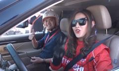 Hot girl Malaysia trổ tài drift xe ở Mỹ Đình