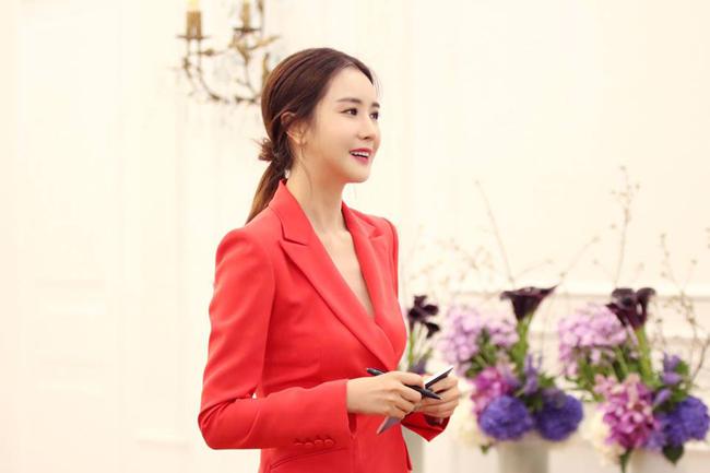 Lee Da Hae sửa mặt cứng đơ, cằm nhọn - 2