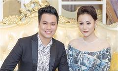 'Quỳnh búp bê' Phương Oanh thân thiết Việt Anh tại sự kiện