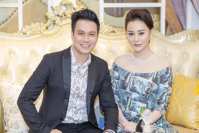 Phương Oanh Quỳnh búp bê thân thiết Việt Anh tại sự kiện - 9