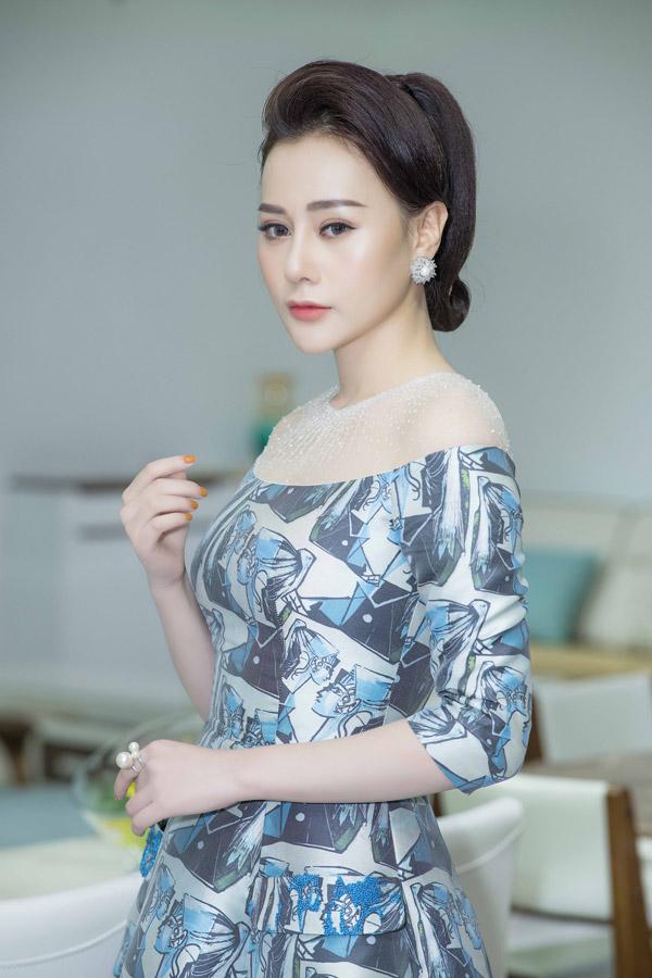 Phương Oanh Quỳnh búp bê thân thiết Việt Anh tại sự kiện - 3