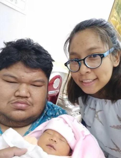 Cả hai đã đón con đầu lòng vào tháng 12 năm ngoái.