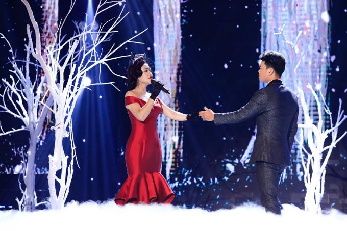 Cặp đôi ca sĩ Hoàng Nguyên  Yên Nhiên.