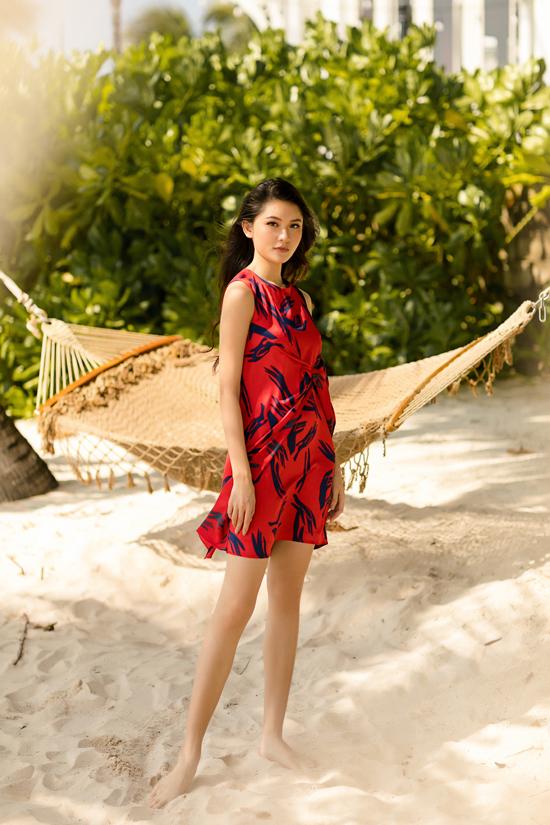 Á hậu Thùy Dung gợi ý chọn váy đi biển mùa thu - 8