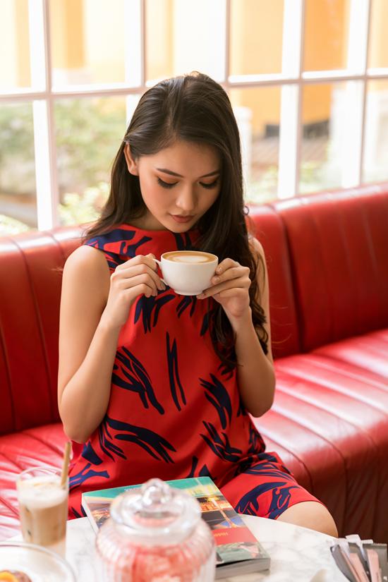 Á hậu Thùy Dung gợi ý chọn váy đi biển mùa thu - 5