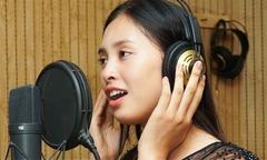 Hoa hậu Tiểu Vy khoe giọng hát với hit của Sơn Tùng M-TP
