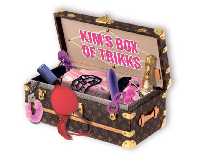 Ray J kể rằng Kim có một cái hòm chất đầy sex toy. Ảnh minh họa.