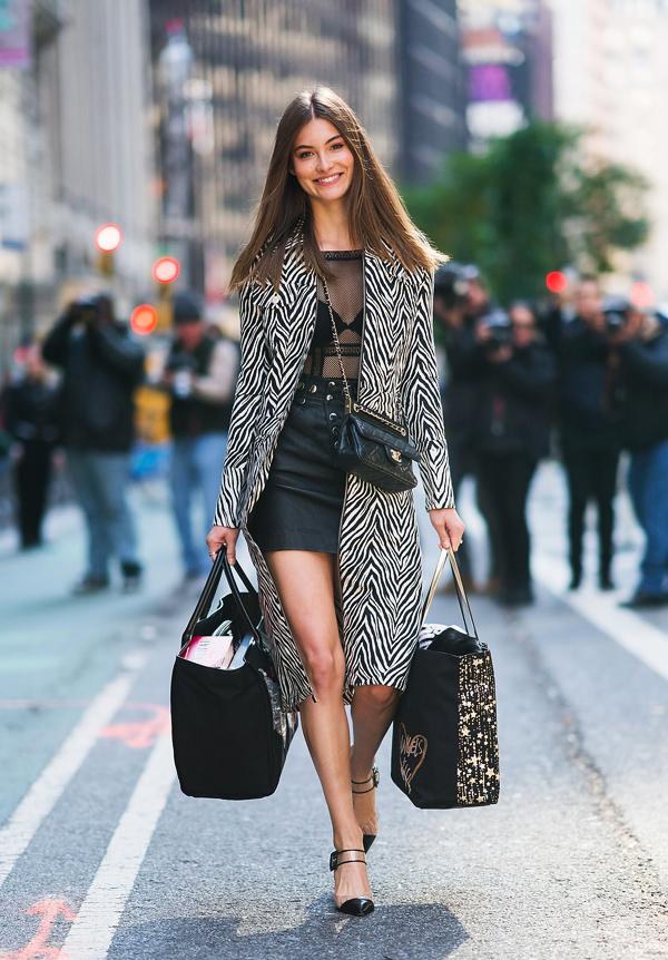 Dàn mẫu Victorias Secret mặc cực chất đi thử đồ trước show - 11