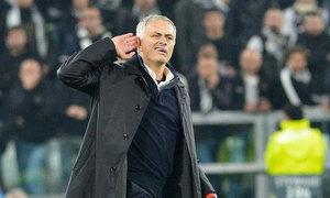 Mourinho 'trêu ngươi' fan và cầu thủ Juventus