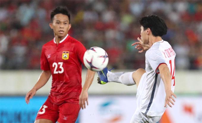 Công Phượng vẫn là cầu thủ có duyên ghi bàn, đặc biệt là ở những bàn thắng mang tính cột mốc. Bàn thắng của tiền đạo xứ Nghệ xuất phát từ pha mất bóng của cầu thủ Lào ở phút 11 ở cánh trái.