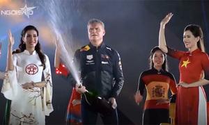 David Coulthard giới thiệu hai xe đua F1 trăm tỷ ở Hà Nội